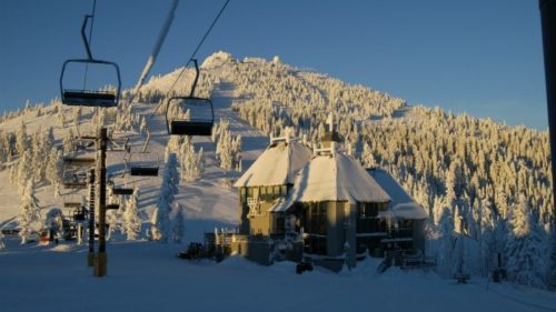 Experience the Rogue Valley winter at its finest on the summit of Mt. Ashland.