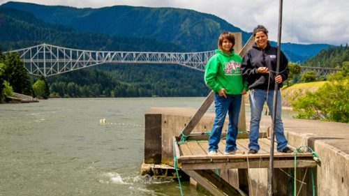 Members of the Confederated Tribes of the Umatilla, sisters Kim Brigham-Campbell and Terrie Brigham own a fish market in Cascade Locks. (Photography by Susan Seubert)