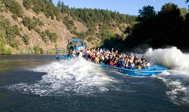 Hellgate Jetboat Excursions Rogue River Oregon