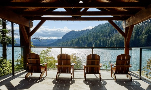 Re discover suttle lodge boathouse travel oregon for Suttle fish farm