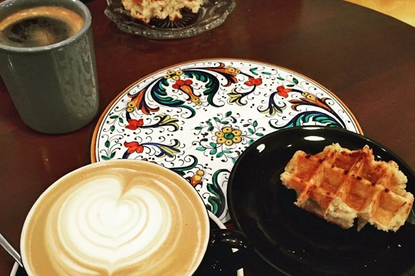 Coffee and waffle at Lone Pine Coffee Roasters in Bend