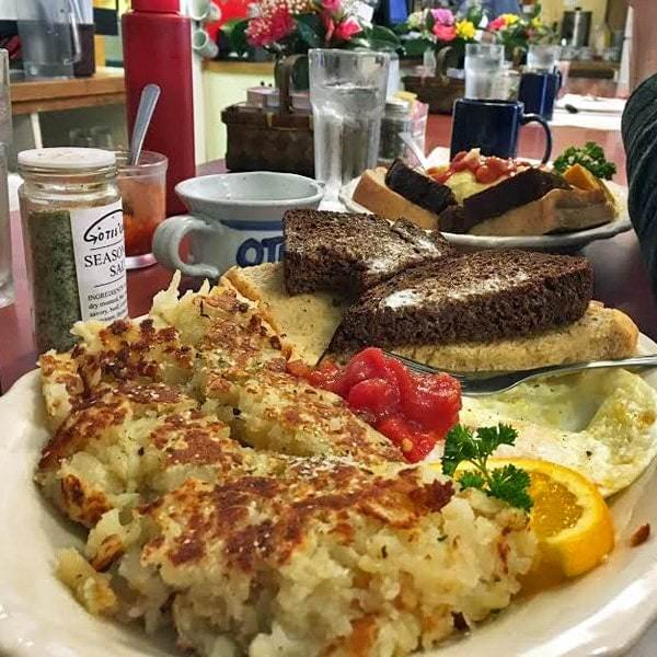 Breakfast at Otis Cafe