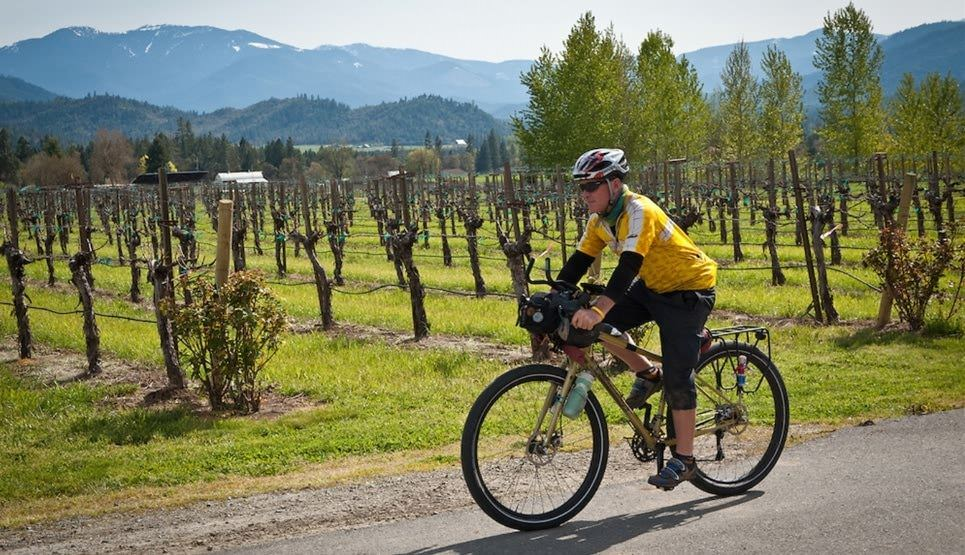 81e2620618 Pedal and Sip in the Applegate Valley - Travel Oregon