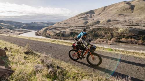 (Gravel riding the Deschutes River Trail near Maupin by Russ Roca / pathlesspedaled.com)