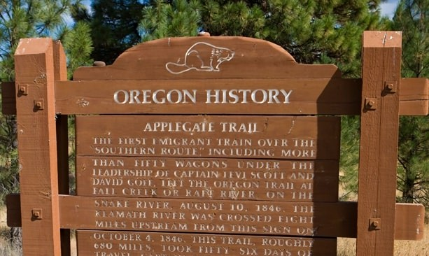 Applegate Trail sign marker