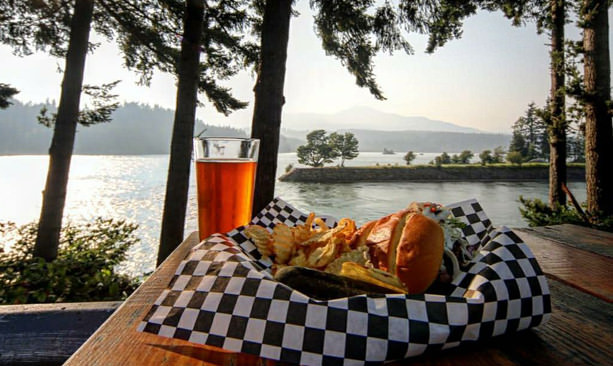 Burger and beer from Thunder Island Brewing overlooks Columbia River.