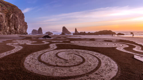 Circles in the Sand courtesy of the Oregon Coast Visitors Association