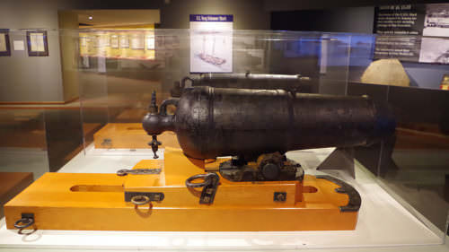 The two cannons from the wrecked ship U.S.S. Shark are said to be the origin of Cannon Beach's name.
